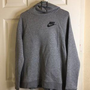 Nike sweatshirt. Lot (3)